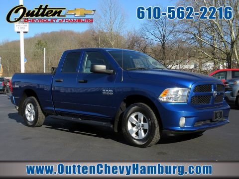 Pre-Owned 2017 Ram 1500 Express 4WD Crew Cab Pickup