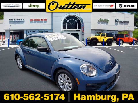 Pre-Owned 2018 Volkswagen Beetle Coast FWD Hatchback